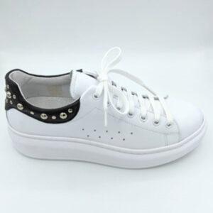 Black &white sneaker